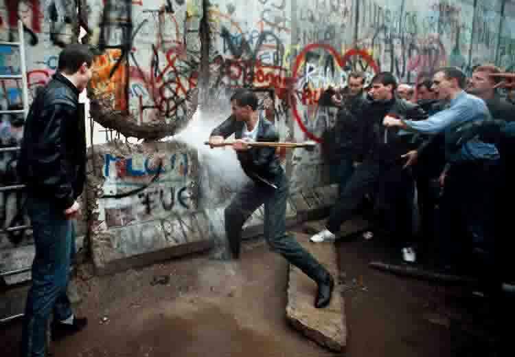 高雄融資報資訊-1989柏林圍牆Berliner-Mauer-的故事
