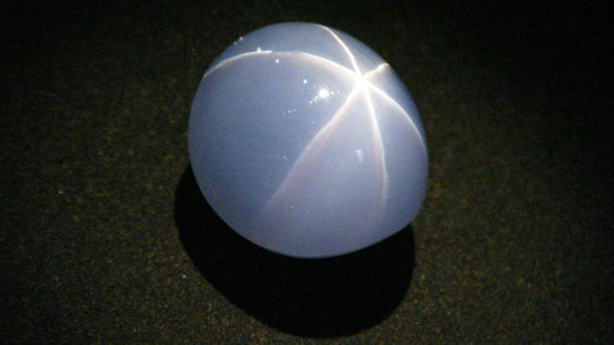 印度之星GEM星光藍寶石產自 斯里蘭卡