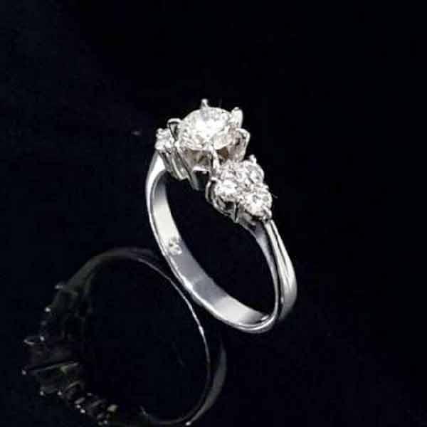 天然鑽石女戒指.8心8箭