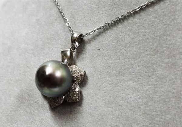 黑珍珠鍊墜