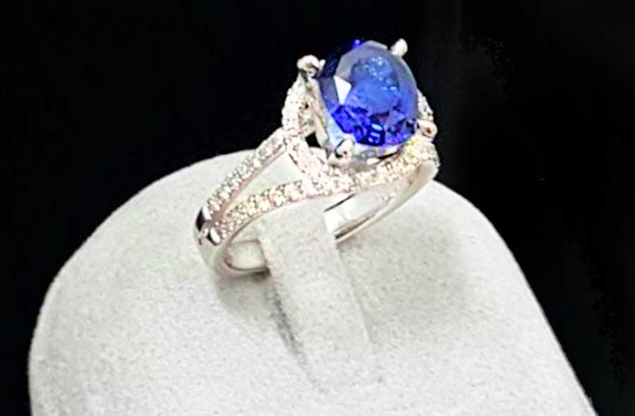 斯里蘭卡藍寶石女戒指