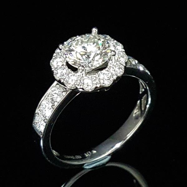gia 鑽石戒指