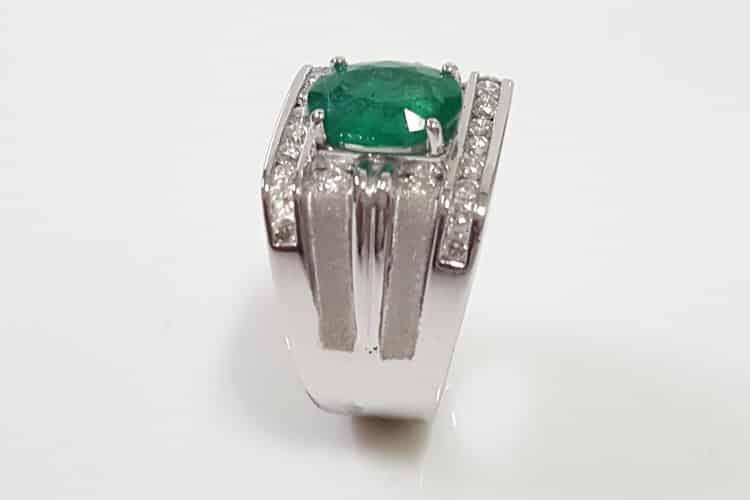 天然祖母綠2.83卡的男指戒指
