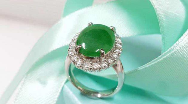 天然翡翠女戒指