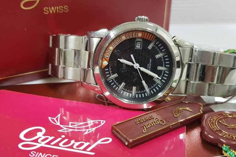 愛其華手錶 3696ms 黑