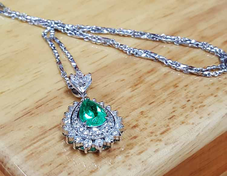 祖母綠墜子項鍊