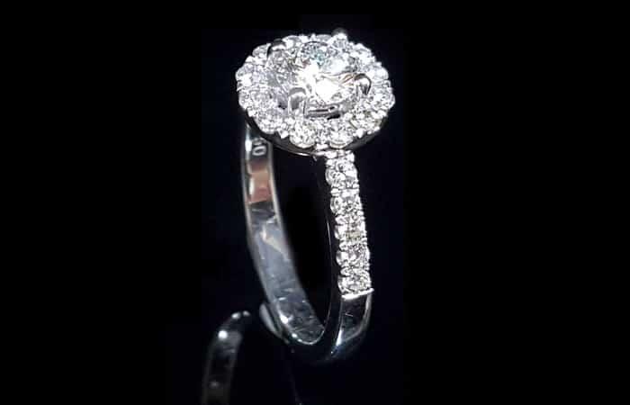 買 GIA 鑽石戒指